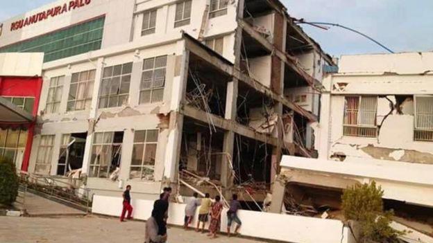 Terremoto e tsunami deixam centenas de mortos na Indonésia