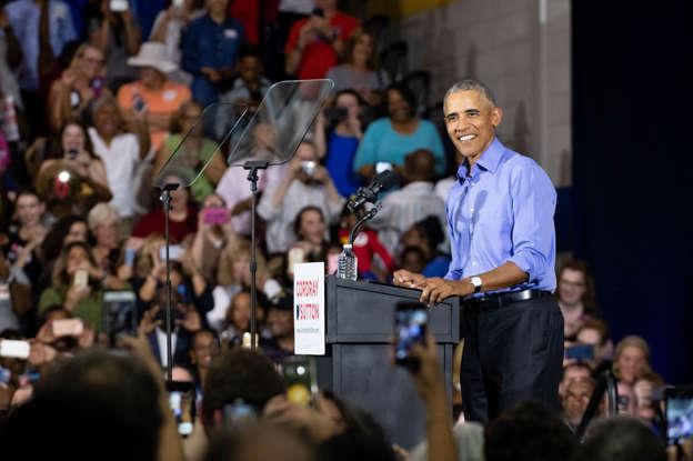 e981f6dae Barack Obama headlines a star-studded crowd to watch Duke-UNC