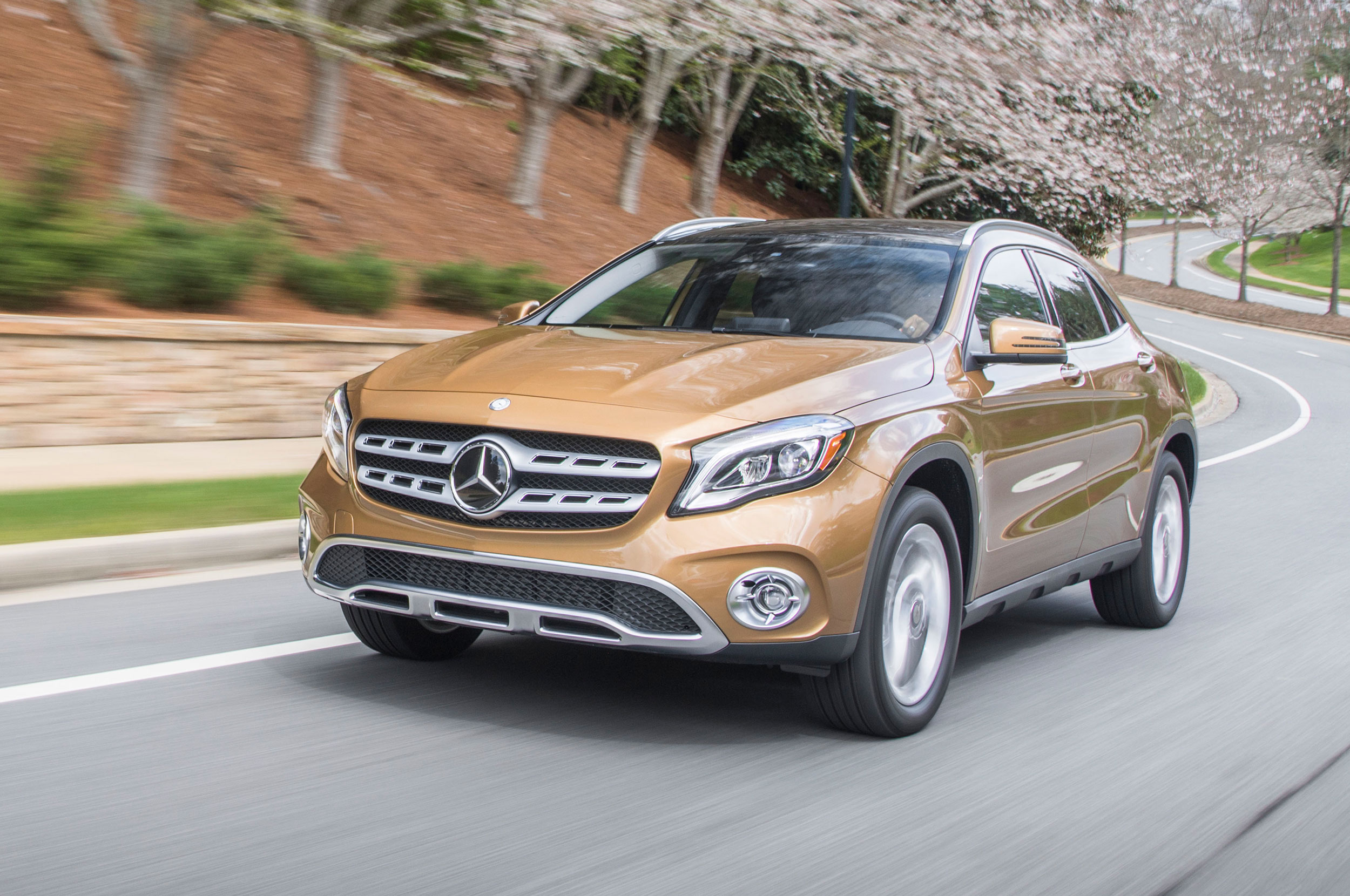 2019 mercedes benz gla class amg gla45 4matic overview. Black Bedroom Furniture Sets. Home Design Ideas