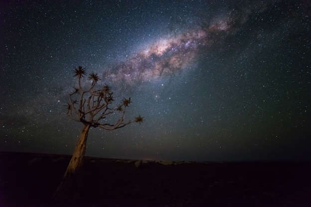 Slide 4 de 15: Milkyway shot in Namibia
