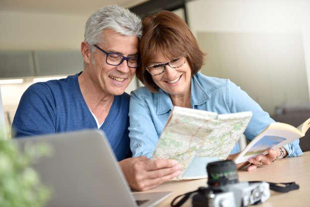 cccc9bdab2 Es un problema visivo que afecta a la mayoría de la población a partir de  los cuarenta años y sus síntomas se agravan con la edad.
