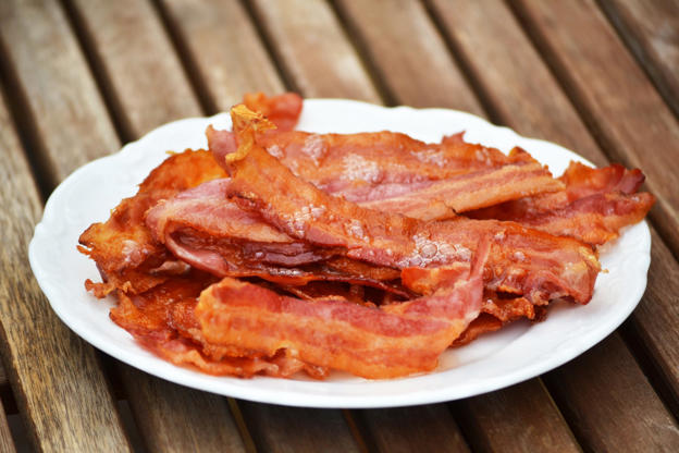 How to Make Perfect Bacon—and Other Priceless Chef Tricks   Emilia Benton 10/16/2018   Just a reminder that you really BBOsUSd