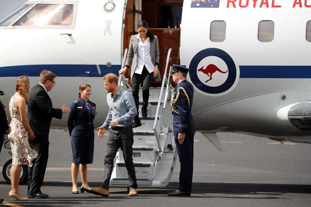 Prince Harry and Meghan Markle receive excited welcome from Dubbo