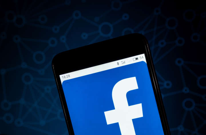 Sidestepping App Stores, Facebook Lite and Groups get
