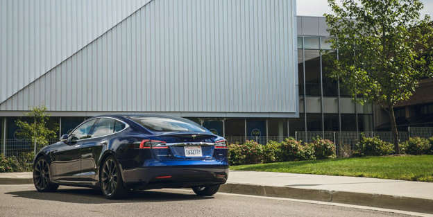 2018 Tesla Model S – Cargo Space and Storage