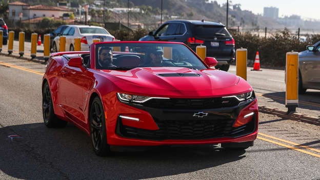 2019 Chevy Camaro SS 10-Speed First Drive Review | Shifting