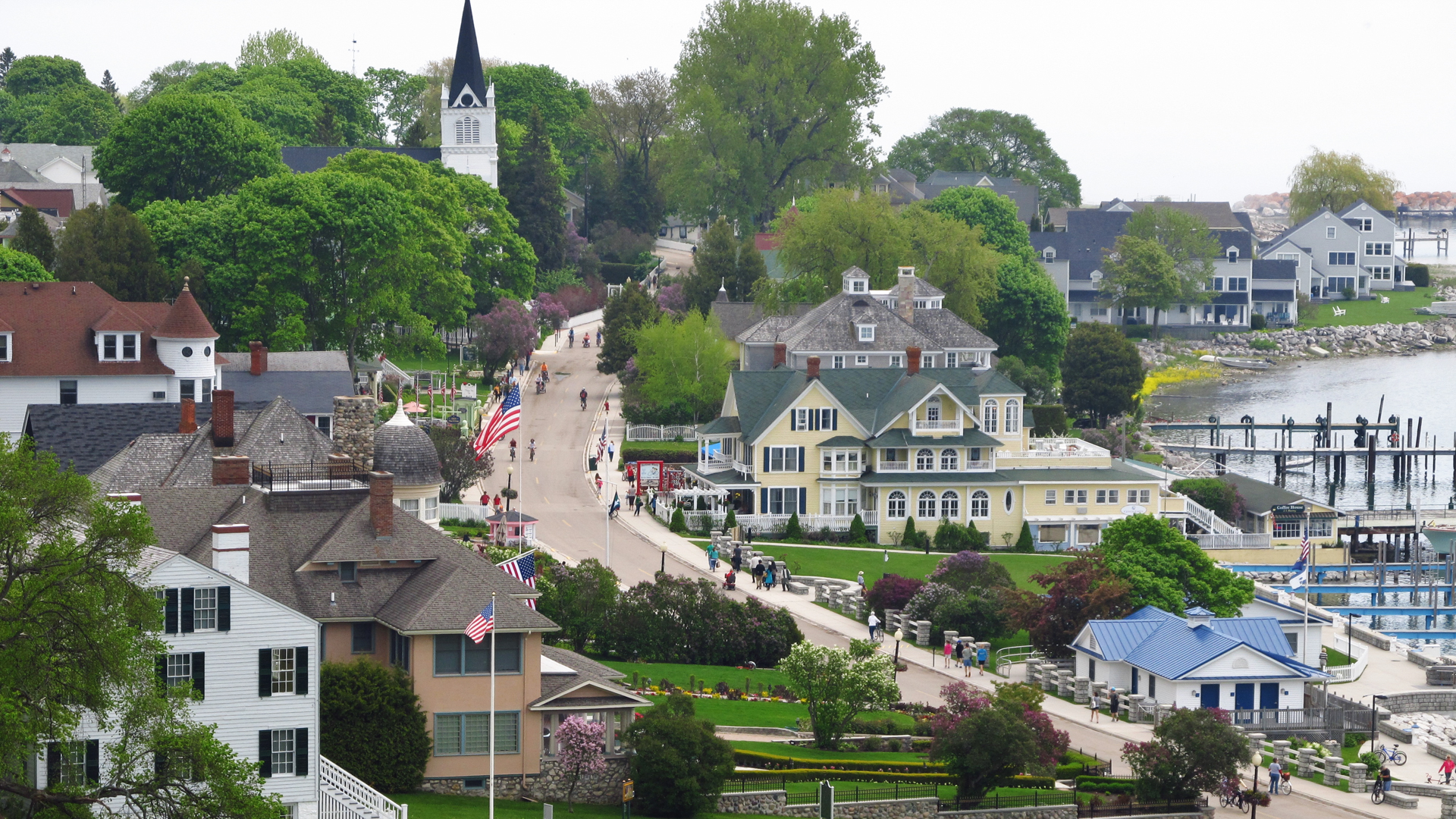 Slide 23 of 51: Cost: From around $250 to $310 nightly for hotel stays Known as the jewel of the Great Lakes, Mackinac Island is more than just a gem in name. More than 1,600 (mostly) adorable rooms give you access to a cornucopia of sailing options, carriage tours, shopping, biking, dining, hiking and horseback riding, all against a backdrop that'll make you feel like you just joined the yacht club in 1962. And you'll definitely be boating, because there are no cars on Mackinac Island.