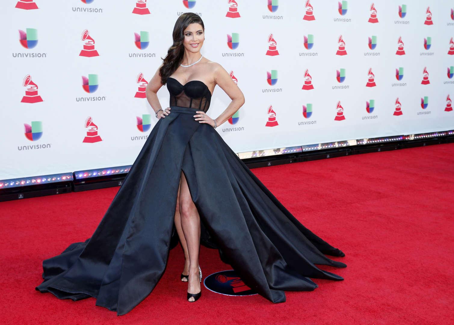35436824a Los looks de los famosos en la alfombra roja de los Latin Grammy