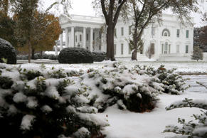 WASHINGTON, DC - NOVEMBER 15: Snow and sleet from Winter Storm Avery covers the ground at the White House November 15, 2018 in Washington, DC. After moving through the Midwest, the storm is dropping a wintry mix of snow, sleet and freezing rain, forcing schools to close or delay opening in the Washington, DC, area. (Photo by Chip Somodevilla/Getty Images)