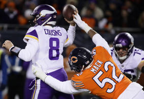 CHICAGO, IL - NOVEMBER 18:  Khalil Mack #52 of the Chicago Bears forces an incomplete pass on quarterback Kirk Cousins #8 of the Minnesota Vikings in the second quarter at Soldier Field on November 18, 2018 in Chicago, Illinois.  (Photo by Jonathan Daniel/Getty Images)