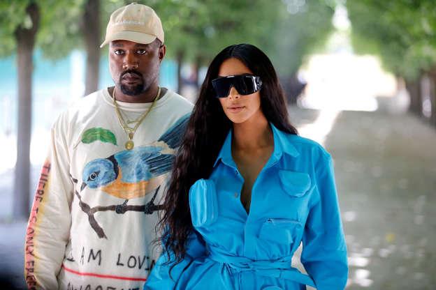 67de6f45dc452 Kim Kardashian West s selfies upset Kanye West