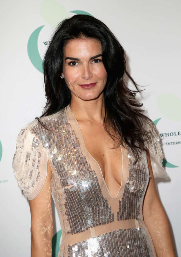 cd5b3b1525 Angie Harmon shares new photo of the three mini-me daughters she had with  former football star Jason Sehorn