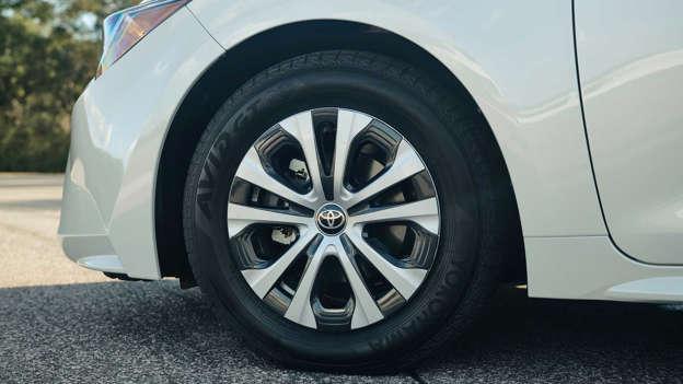 Toyota Turkiye Yeni Corolla Nin Arka Bolumunu Gosterdi