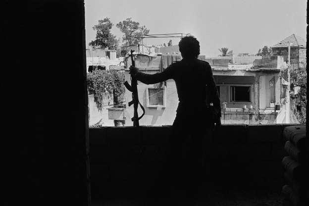 ddfbed91f صور نادرة للحرب الأهلية اللبنانية