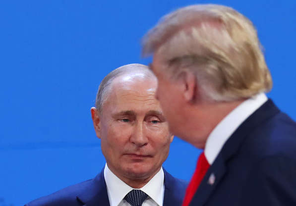 Diapositiva 6 de 55: U.S. President Donald Trump and Russia's President Vladimir Putin are seen during the G20 leaders summit in Buenos Aires, Argentina November 30, 2018.