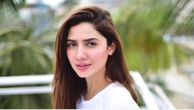 Mahira Khan gives it back to troll who said she has no work since