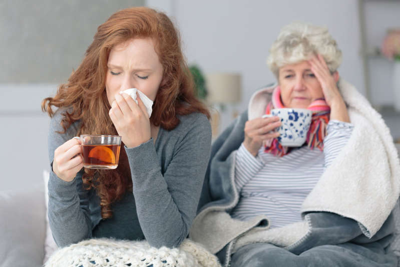 Mother and daughter with flu (Representative image)