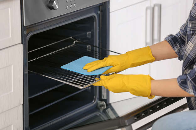 Clean your oven WITHOUT hours of scrubbing: The little-known trick