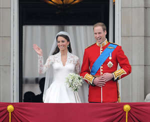 Prince William, Duke of Cambridge and Catherine, Duchess of Cambridge greet well-wishers from the balcony at Buckingham Palace on April 29, 2011 in London, England. (Photo by George Pimentel/WireImage)
