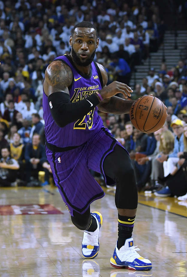 af6e28929d8 Lakers lose LeBron James to groin injury