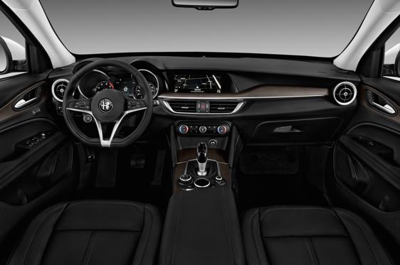 Resultado de imagen de Alfa Romeo stelvio interior