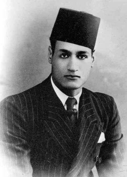 من الطفولة حتى أصبح معشوق الفقراء حياة جمال عبدالناصر في صور