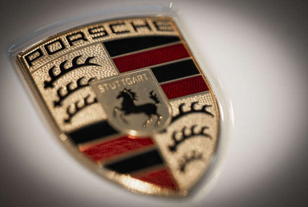 4203998d48 Porsche admits error in 911 fuel consumption