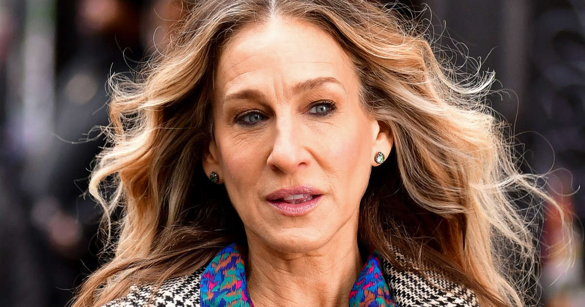 e31b44840a Sarah Jessica Parker gives Andy Cohen parenting support
