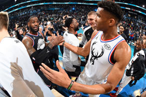 CHARLOTTE, NC - FEBRUARY 17: LeBron James #23 of Team LeBron and Giannis Antetokounmpo #34 of Team Giannis shake hands the 2019 NBA All-Star Game on February 17, 2019 at the Spectrum Center in Charlotte, North Carolina. NOTE TO USER: User expressly acknowledges and agrees that, by downloading and/or using this photograph, user is consenting to the terms and conditions of the Getty Images License Agreement. Mandatory Copyright Notice: Copyright 2019 NBAE (Photo by Andrew D. Bernstein/NBAE via Getty Images)