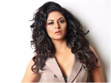 Sidhu row: Kavita Kaushik and Mahhi Vij back Kapil
