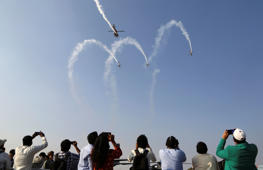 Rafale, Tejas dazzle at Aero India air show