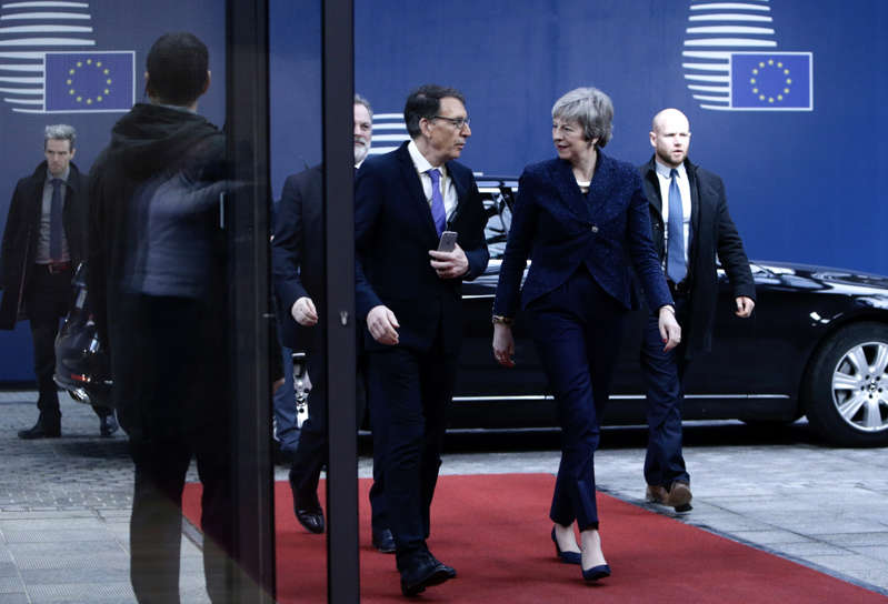 British Prime Minister Theresa May (R) arrives for a meeting on Brexit with European commission President on February 7, 2019 in Brussels. (Photo by Aris Oikonomou / AFP)        (Photo credit should read ARIS OIKONOMOU/AFP/Getty Images)