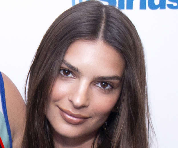 666eebd3403 Emily Ratajkowski models lingerie in bizarre supermarket sweep shoot