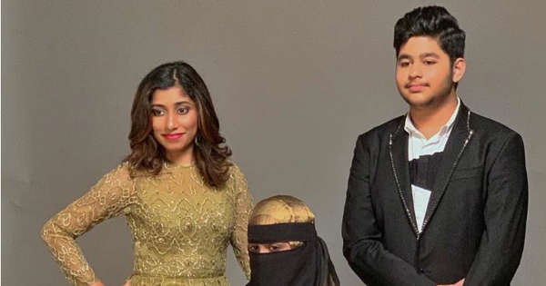 AR Rahman introduces his daughters and son as they pose for