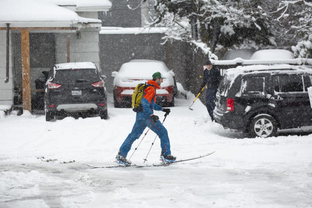 Snow Storm Wallops Seattle People Rescued In Sierra Nevada