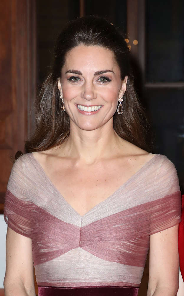 6774e31ab Kate Middleton is gorgeous at the gala wearing Gucci