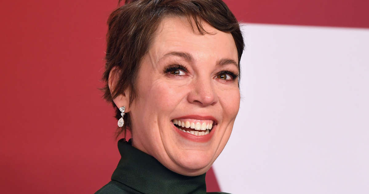 566c2ef263 The Story of Best Actress Oscar Winner Olivia Colman's Gown
