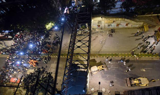 Mumbai bridge collapse kills six: officials