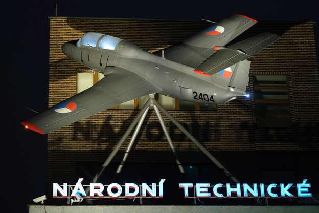 Czechs to buy army helicopters from U S  company - deputy