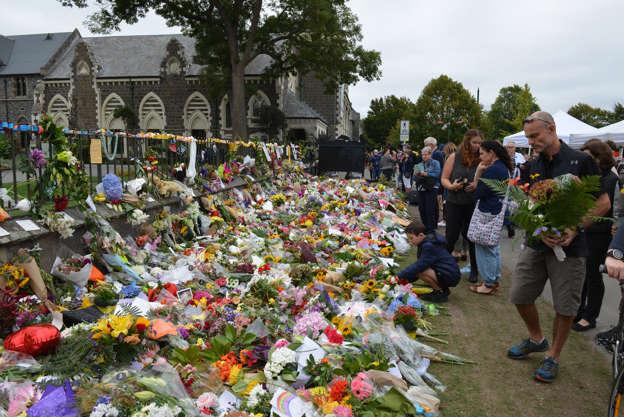 Christchurch Terror Attacks Symbolic Human Walls Planned Around
