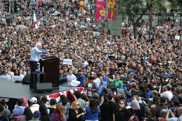 Bernie Sanders decries anti-Muslim violence in mosque visit