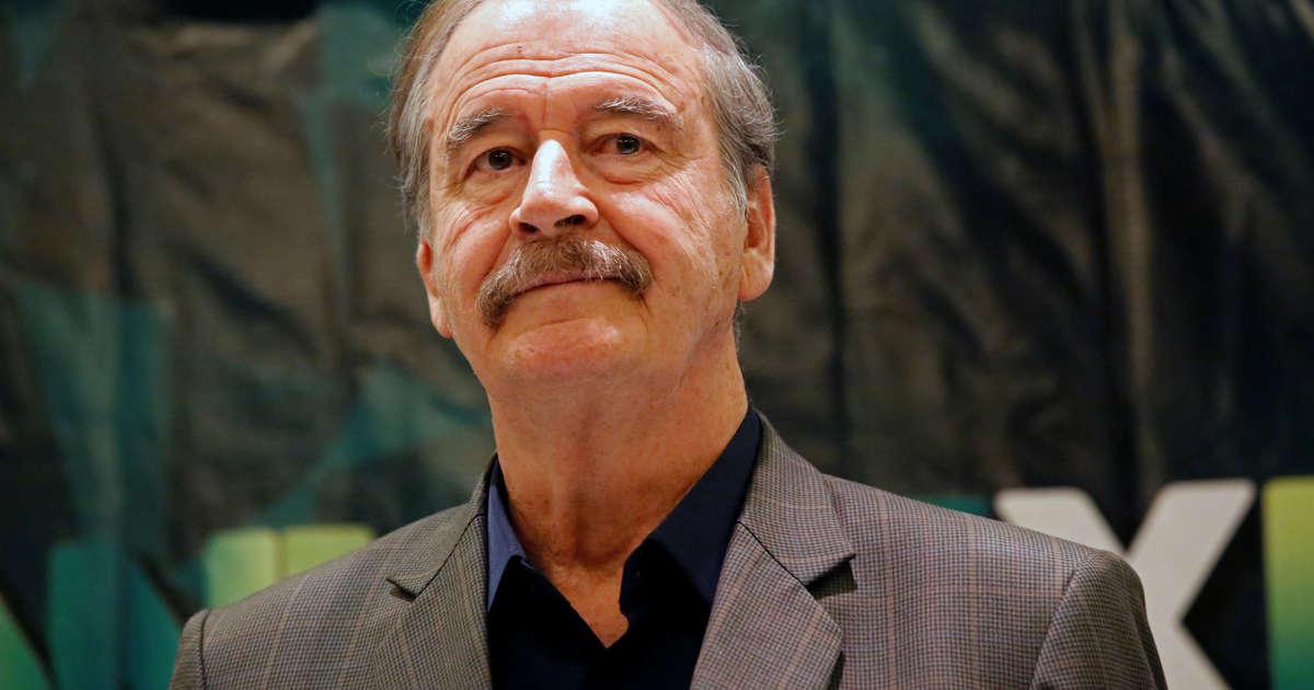 b1dcbf612 Captan a Vicente Fox en pijama en Las Vegas  desata burlas en redes