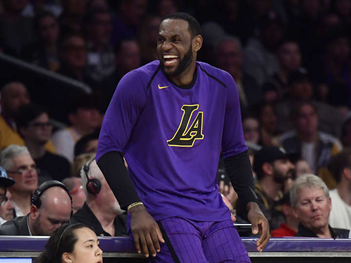 56b04b6fa976 LeBron Ready To Recruit Another Star, Wants To Win With Lakers