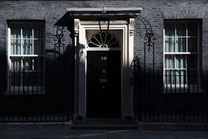 LONDON, ENGLAND - APRIL 10: The sun shines over the front door of Number 10 Downing Street ahead of Prime Minister Theresa leaving for PMQ's on April 10, 2019 in London, England. EU leaders are set to meet for an emergency summit in Brussels to decide whether to grant the UK another delay to Brexit. Prime Minister Theresa May wants to delay the date the UK leaves the EU to 30 June. (Photo by Jack Taylor/Getty Images)
