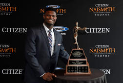 MINNEAPOLIS, MN - APRIL 07: 2019 Citizen Naismith Men's College Player of the Year Zion Williamson of the Duke Blue Devils poses with the 2019 Citizen Naismith Men's College Player of the Year trophy during the 2019 Naismith Awards Brunch at the Nicolette Island Pavilion on April 7, 2019 in Minneapolis, Minnesota. (Photo by Hannah Foslien/Getty Images)