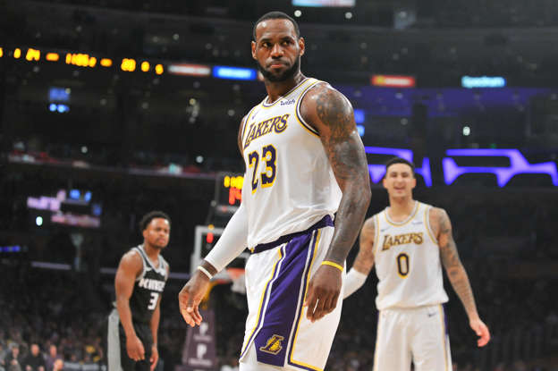 236908333cd7 Opinion  Why Lakers may be worse with addition of LeBron James