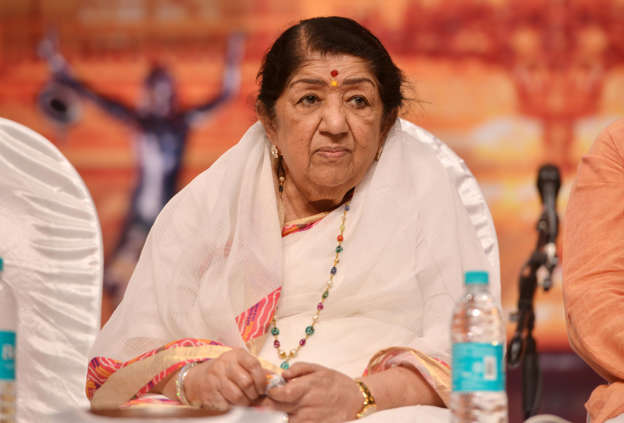 Lata Mangeshkar pays touching tribute to soldiers, credits PM Modi's