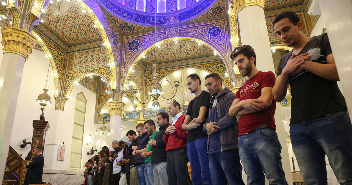 Syrian Muslims are converting to Christianity: report