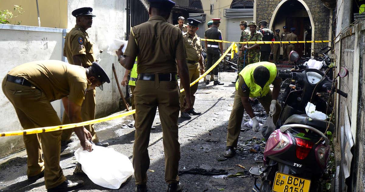 7b1b17b7a0cbed Sri Lanka lifts curfew after bomb attacks kill 290