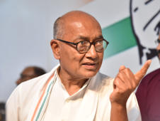 The Bhopal contest: Digvijaya Singh vs Pragya Thakur